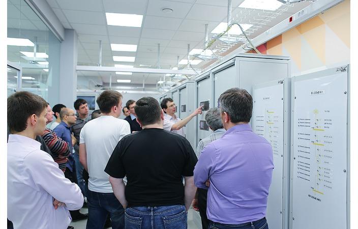 Слушатели учебного центра компании «Прософт-Системы» совершенствуют навыки работы с высокотехнологичным оборудованием