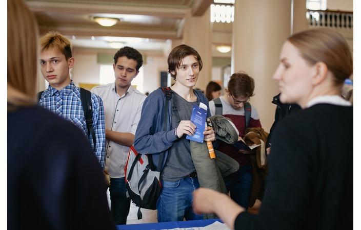 Школьникам и студентам рассказали о карьере в компании «Прософт-Системы» на днях открытых дверей IT-отрасли