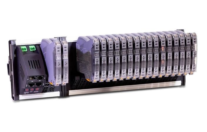 Компания «Прософт-Системы» выводит на рынок новый ПЛК REGUL R100